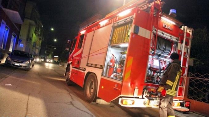 Incendio a Bra causato da una donna che voleva cuocere le caldarroste sul balcone.
