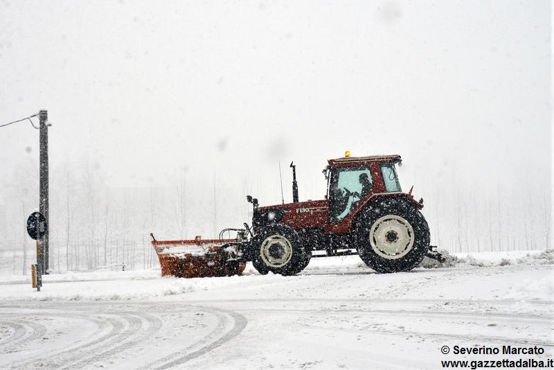 Tre metri di neve a Limone Piemonte, chiuso il colle di Tenda