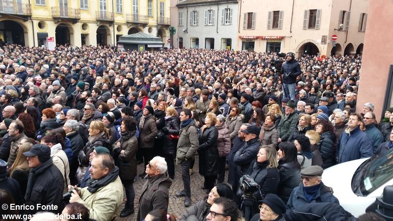 omaggio-funerali-michele-ferrero-alba (3)