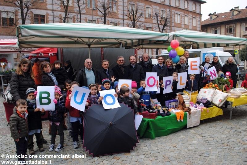 compleanno-mercato-piazza-san-paolo-alba