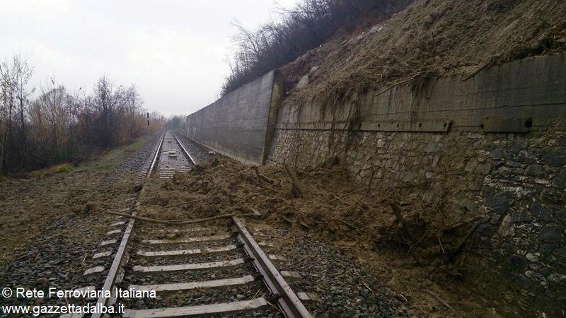 frana ferrovia santa vittoria monticello