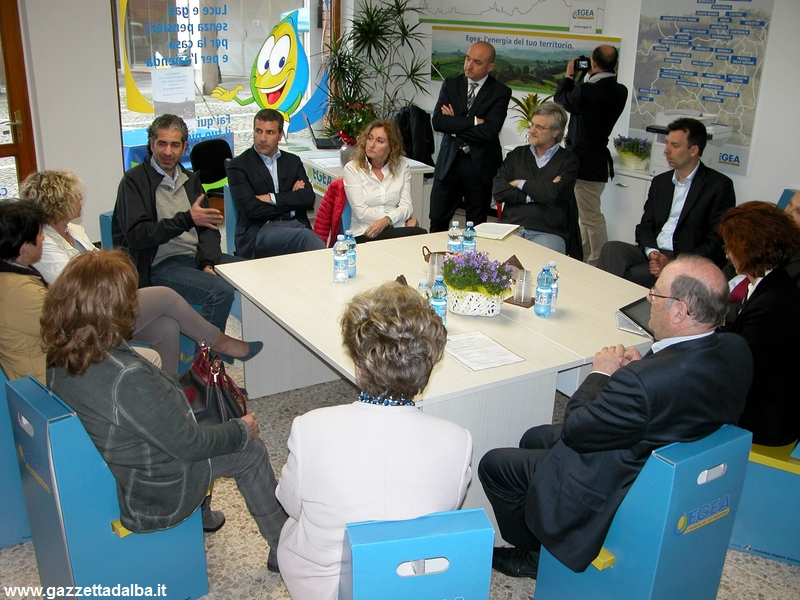 incontro-imprenditori-confindustria-cortemilia-aprile2015
