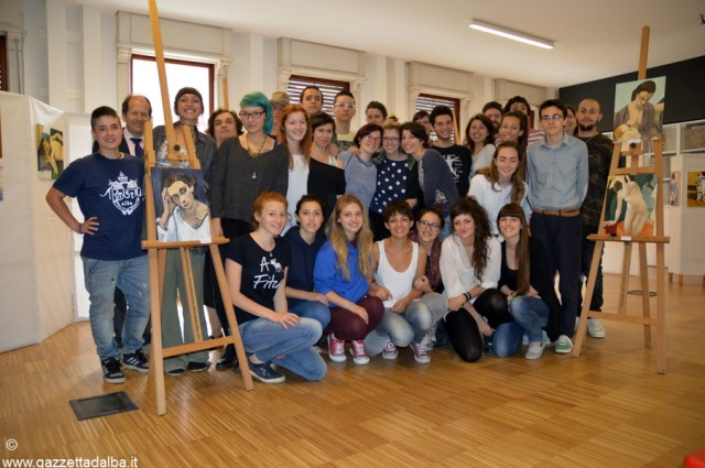 La V A con le professoresse Angela Gallo e Marina Pepino e il preside Luciano Marengo.