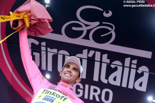 giro2015-arrivo-abetone-contador-maglia-rosa