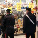 Pregiudicato tenta di accoltellare i Carabinieri