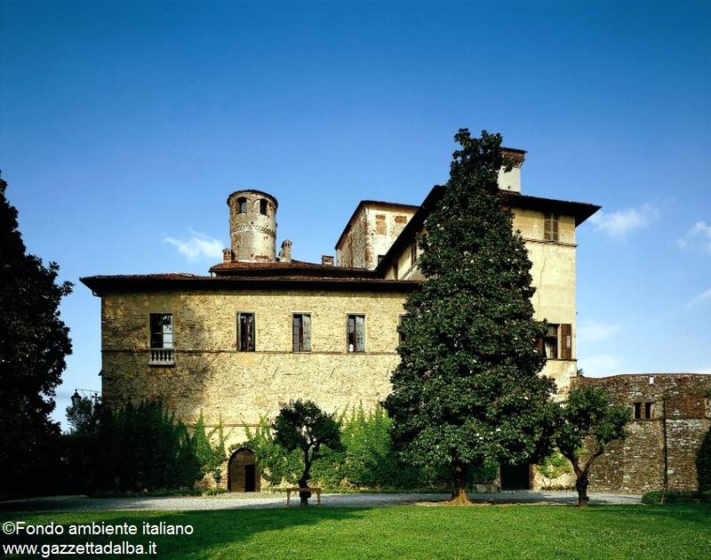 Castello della Manta CN, Foto Giorgio Majno © FAI – Fondo Ambiente Italiano