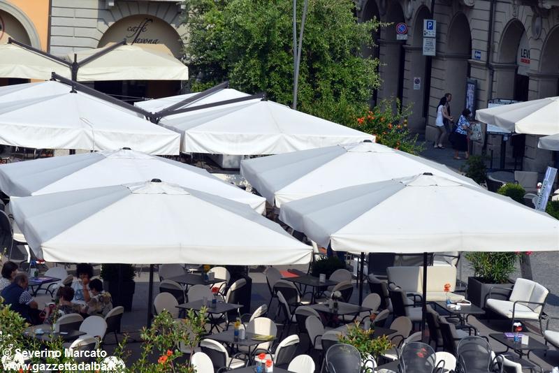 Via la tassa sull'utilizzo di suolo pubblico fino al 31 ottobre per bar e ristoranti