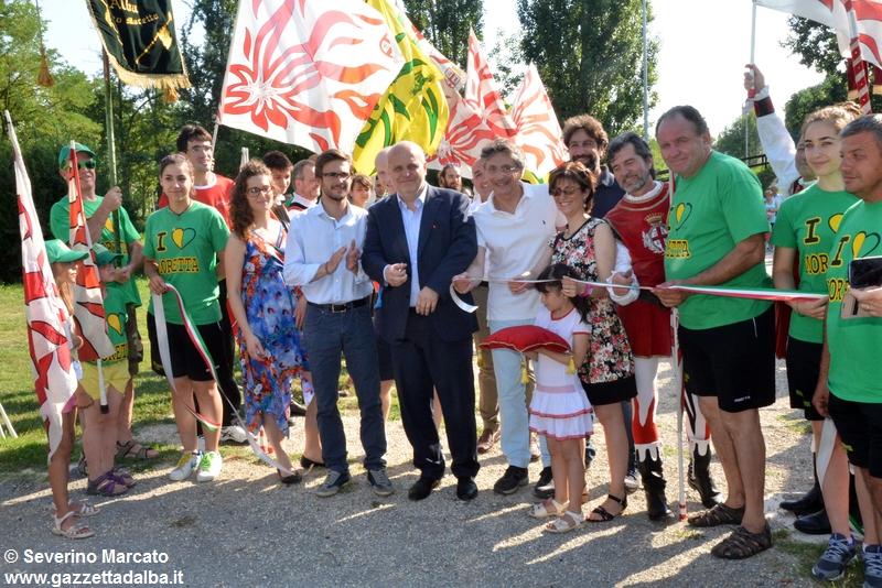 festa-piattaforma-sbandieratori-parco-tanaro-giugno2015 (8)