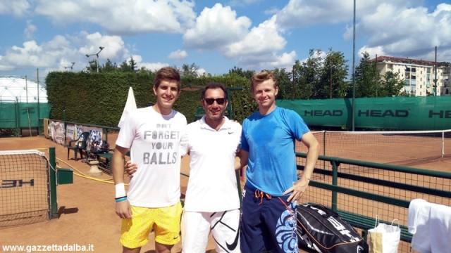 Golubev Puci tennis Match ball Bra