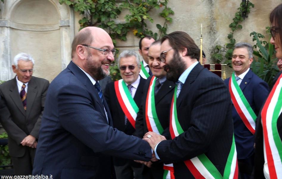 Photo Murialdo Monforte italy . consegna della cittadinanza a martin Schultz (1)