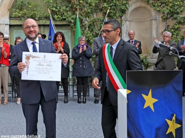 Schulz riceve la cittadinanza dal sindaco Genesio