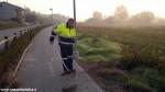 Protezione civile Canale pulisce la ciclabile (2)