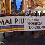 Alba, manifestazione a sostegno dei pacifisti turchi uccisi ad Ankara