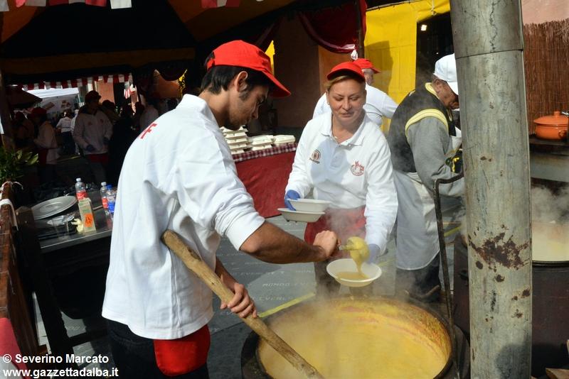 ama-la-carne-panettieri-fiera-alba-2015 (8)