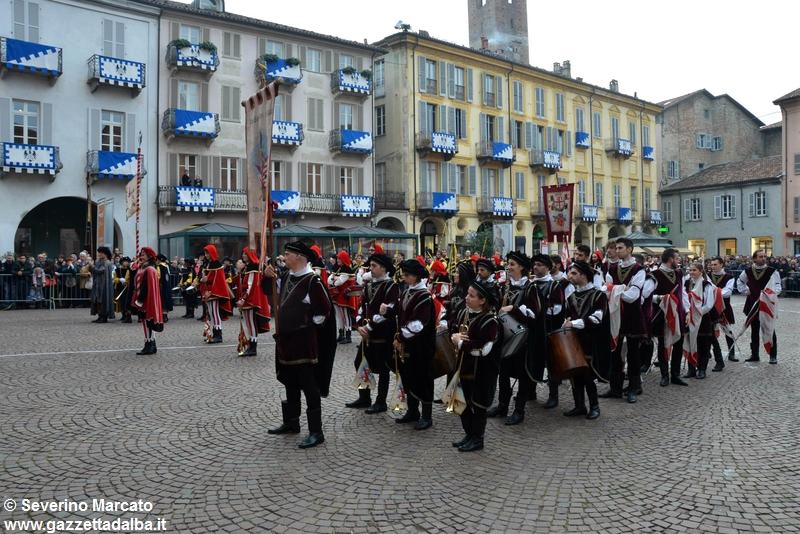 festival-bandiere-sbandieratori-alba-ottobre2015 (1)