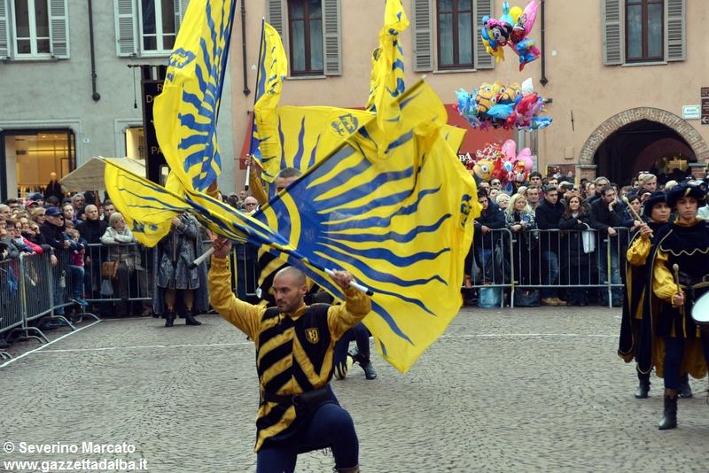 festival-bandiere-sbandieratori-alba-ottobre2015 (18)