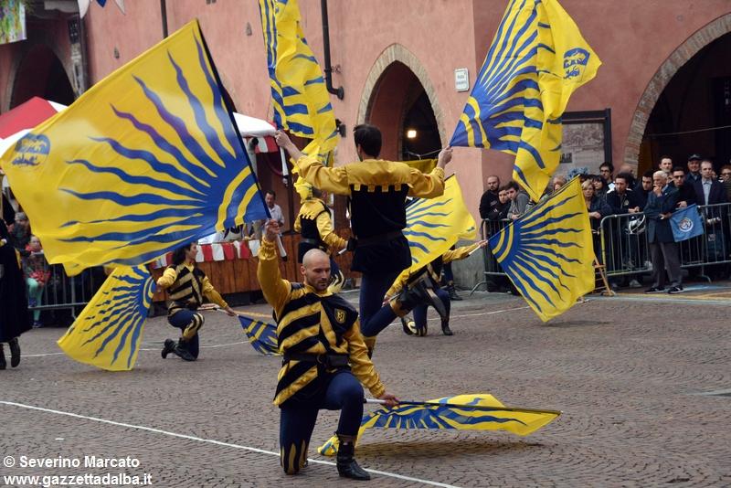 festival-bandiere-sbandieratori-alba-ottobre2015 (19)