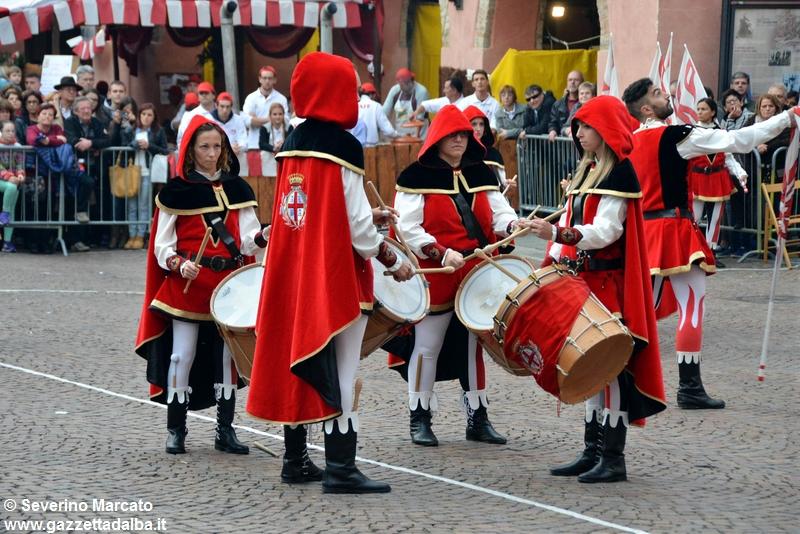 festival-bandiere-sbandieratori-alba-ottobre2015 (2)