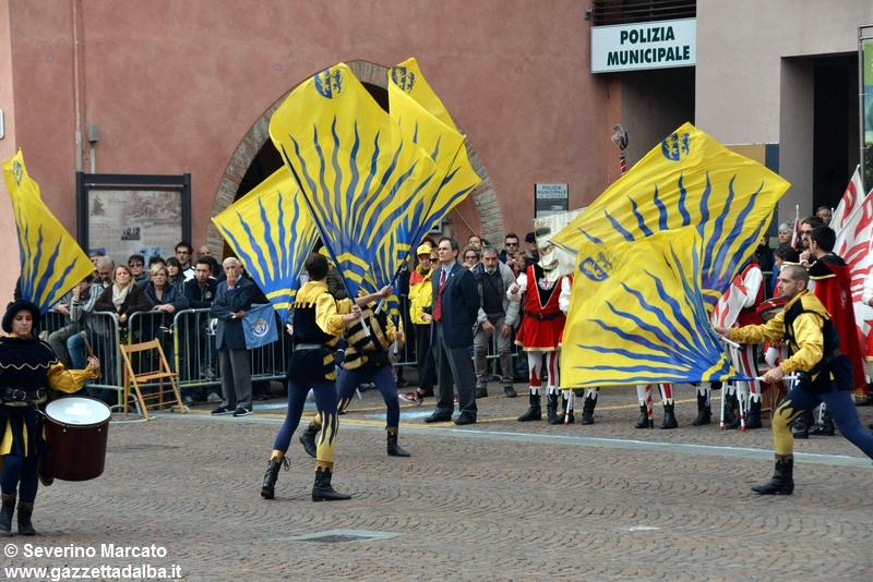 festival-bandiere-sbandieratori-alba-ottobre2015 (21)