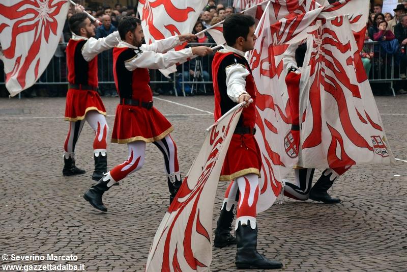 festival-bandiere-sbandieratori-alba-ottobre2015 (25)