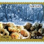 Francobollo e annullo postale dedicato al tartufo di Alba