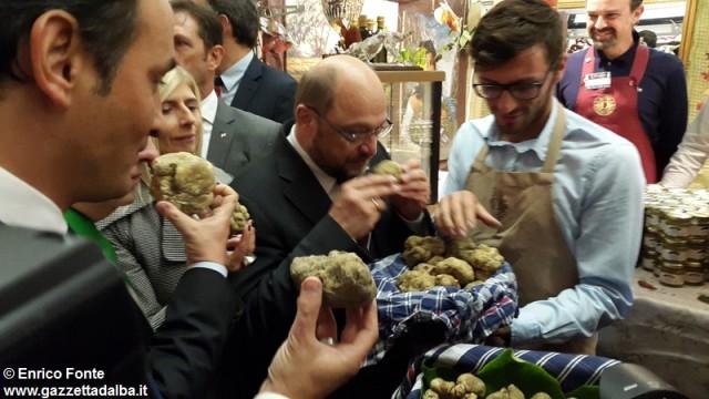 inaugurazione-fiera-tartufo-alba-2015-fonte (12)
