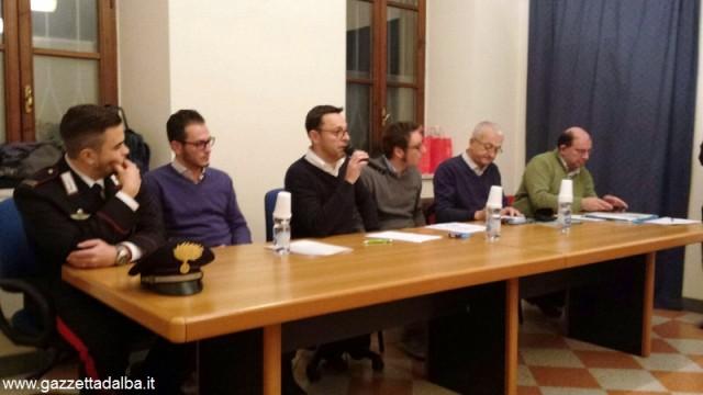 Il tavolo dei relatori che hanno preso parte all'incontro sulla rete di controllo del vicinato a Ceresole