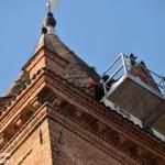 Via le erbacce dal campanile del Duomo di Alba