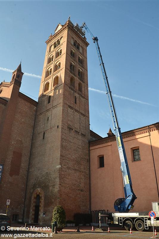 Alba campanile duomo con piattaforma 8