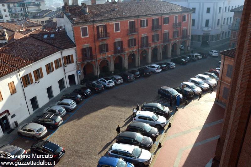 Alba piazza Rossetti 1