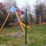 Il parco giochi è di nuovo vicino al Ponte dei sapori