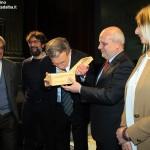 Alba, consegnato il Tartufo dell'anno 2015 al direttore del Centro trapianti fegato di Torino Mauro Salizzoni