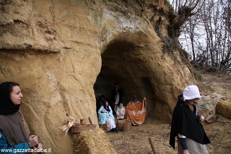 Montà presepe vivente santuario dei Piloni  (35)