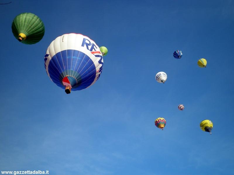 Super dirigibile al Raduno delle mongolfiere di Mondovì