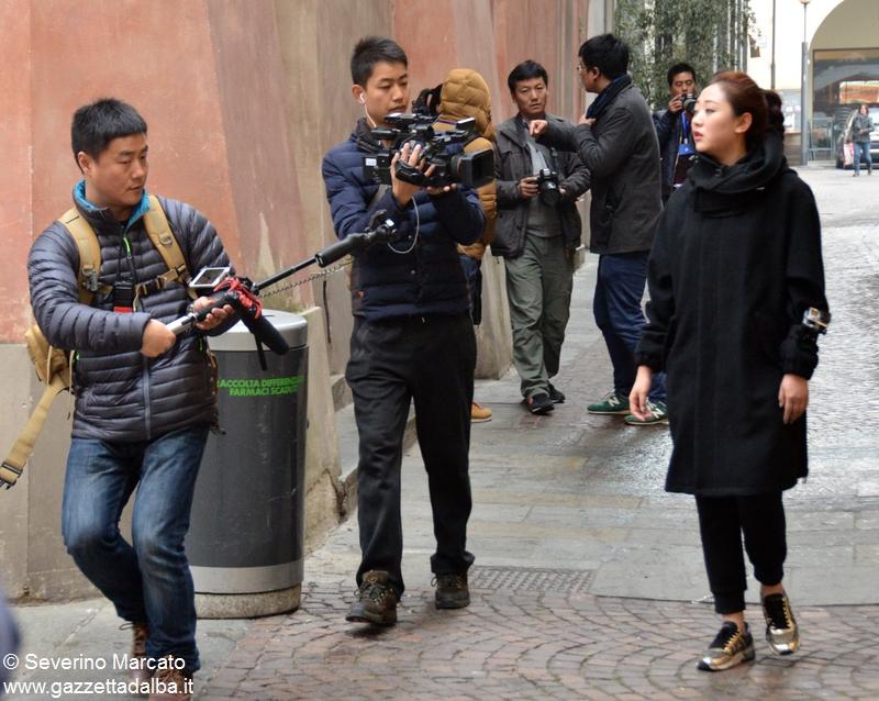 Alba scelta per il reality cinese sui matrimoni 11