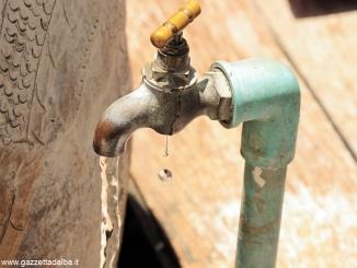Bra: acqua chiusa (e poi riattivata) da Tecnoedil a chi non paga