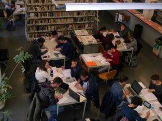 """Biblioteca civica """"aperta per ferie"""" a Bra"""