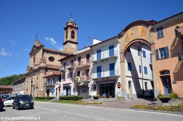 Corneliano_piazza_MARCATO