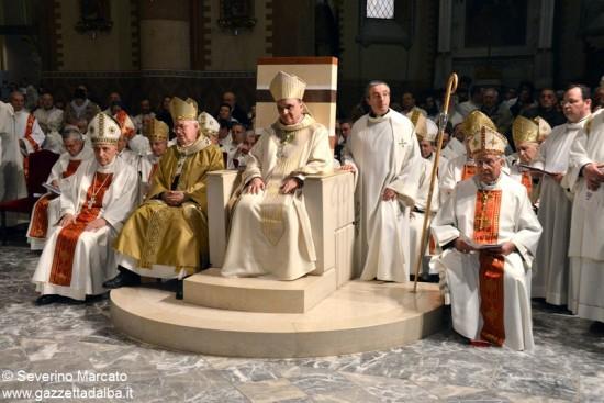 Alba accoglie con solennità il nuovo Vescovo 8