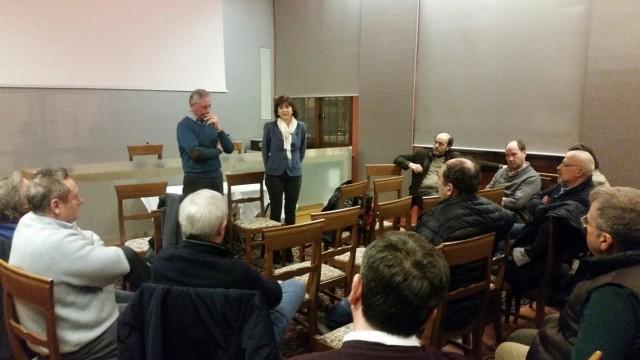 L'assemblea durante la quale i produttori hanno minacciato di uscire dall'Enoteca del Roero