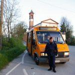 Una guardia giurata  sul bus per San Grato