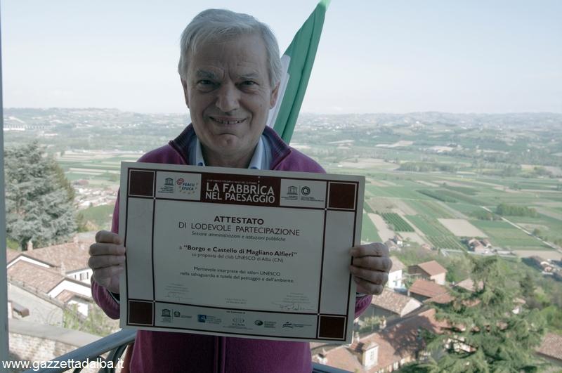 Luigi Carosso sindaco di Magliano premiato dai club Unesco