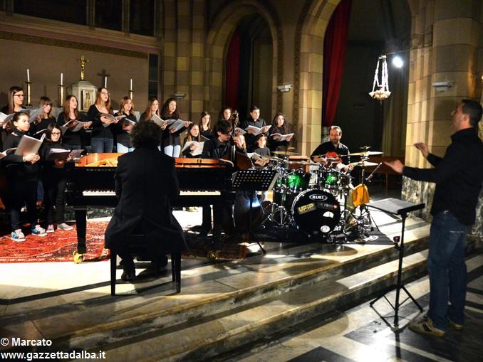 Anticontemporaneo, il coro Intonandoli in concerto a Mussotto 3