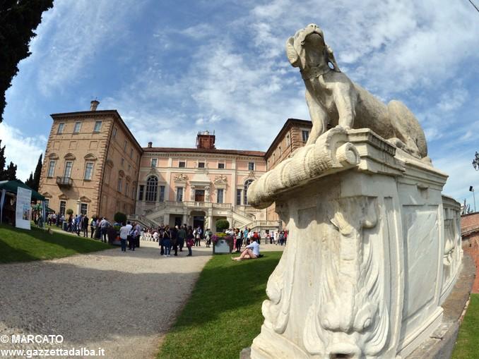 Il parco del castello di Govone si apre agli amanti delle rose 2