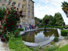 Il parco del castello di Govone si apre agli amanti delle rose 23