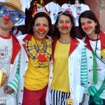I clown dei Nasi rossi in piazza domenica 19 ad Alba