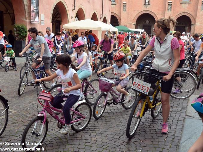 Alba in bici: la fotogallery 7