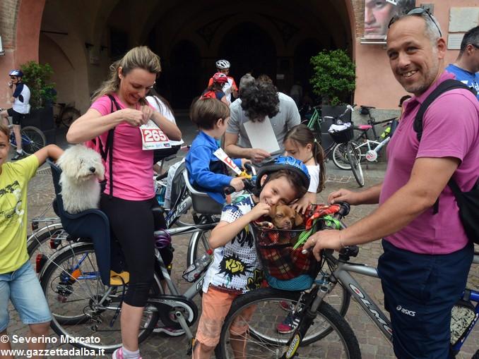 Alba in bici: la fotogallery 3