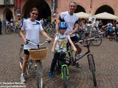 Alba in bici: la fotogallery