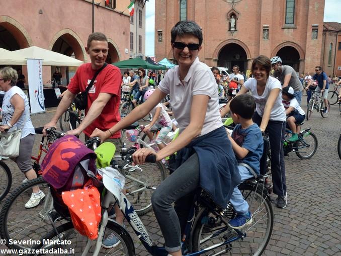 Alba in bici: la fotogallery 13